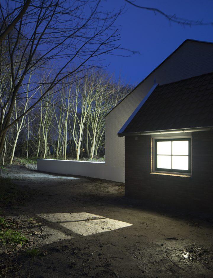 SN 030 HOUSEINTHEWOODS IMAGE14 CREDIT Frank van de Salm